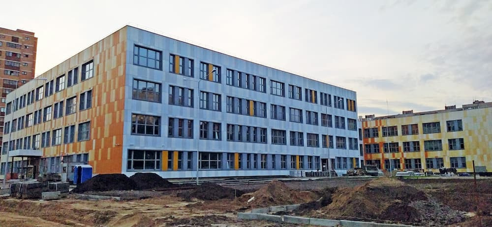 Строительство школы в Солнечном